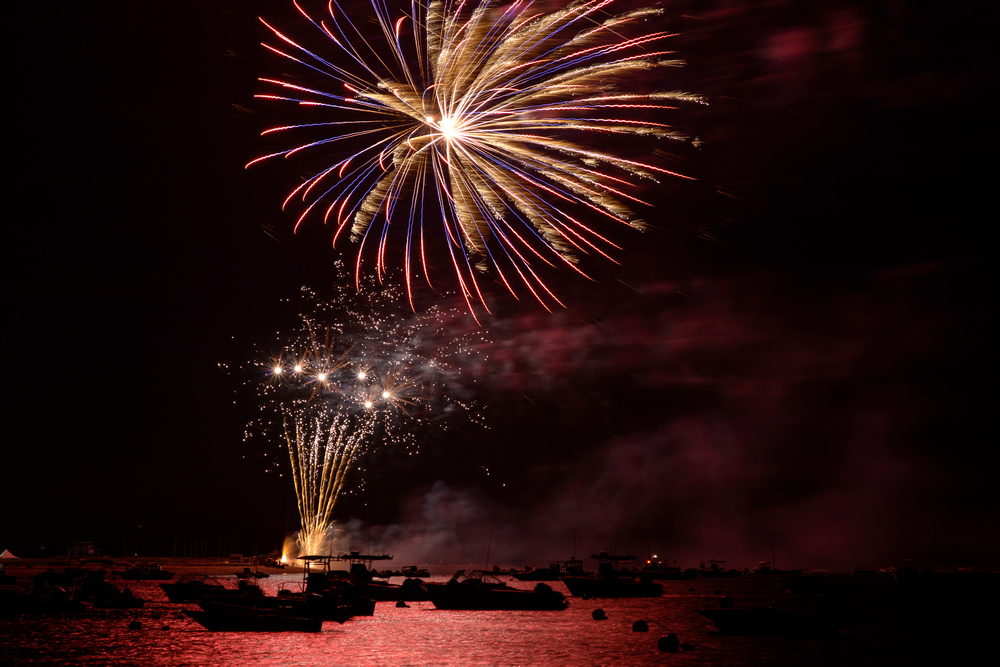 Fireworks_at_the_Jetties_(GH)-2-(ZF-3649-03117-1-001)